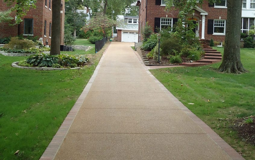 Exposed Aggregate Concrete Driveway Webster Groves Featured Image